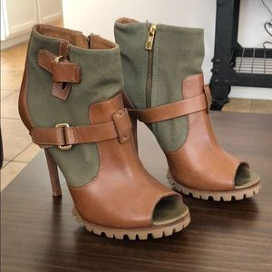 Tory Burch Green & Leather Bootie